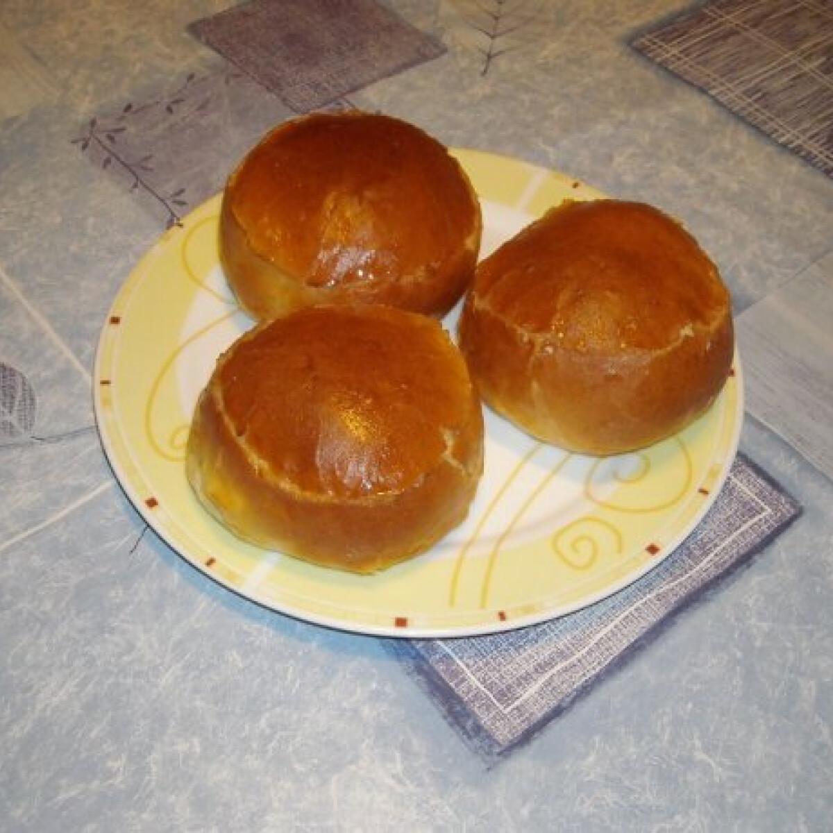 Ezen a képen: Túrós zsemle Nikóka konyhájából