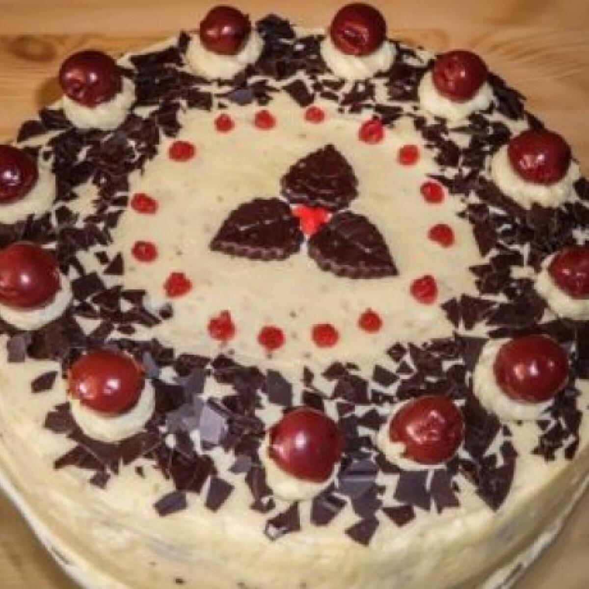 Ezen a képen: Feketeerdő torta újragondolva