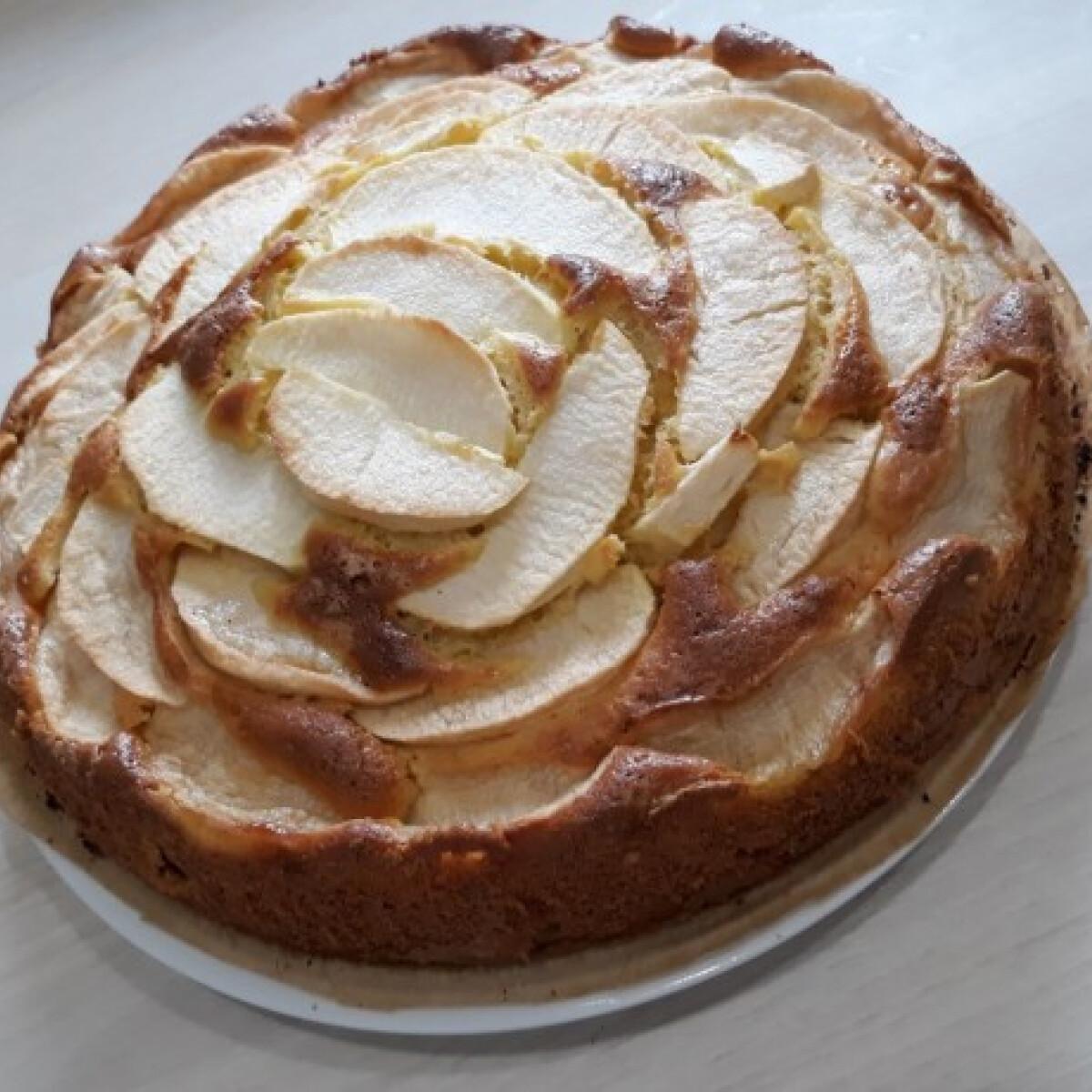 Ezen a képen: Almás süti ozsvarcs konyhájából