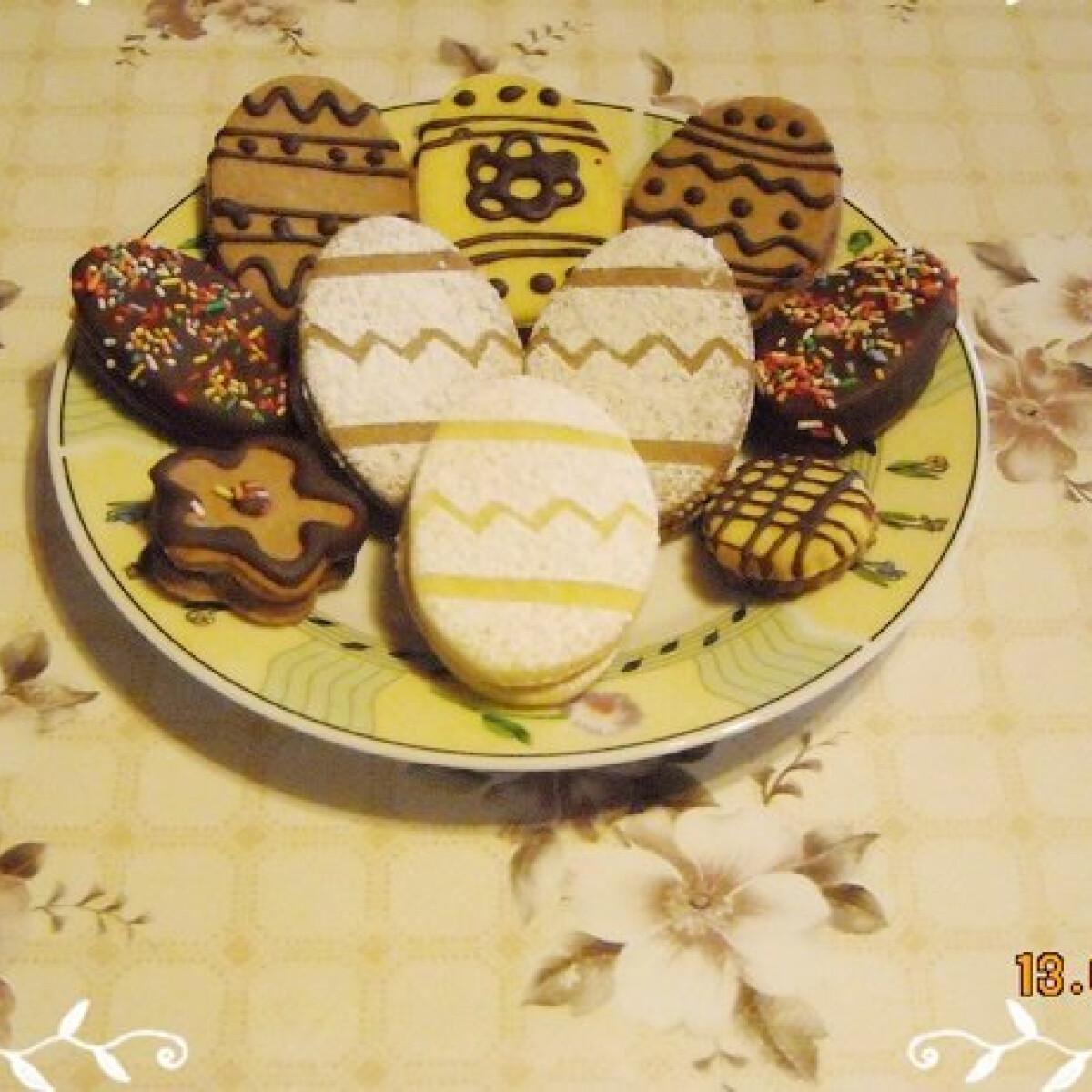 Ezen a képen: Húsvéti linzer