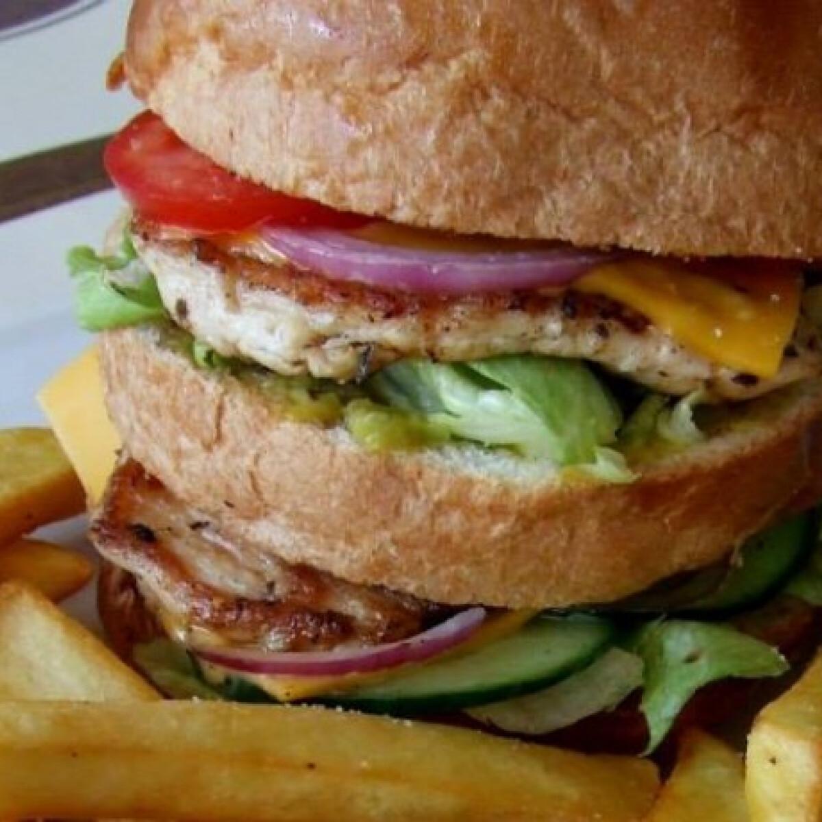 Ezen a képen: Csirkemell Dupla Burger