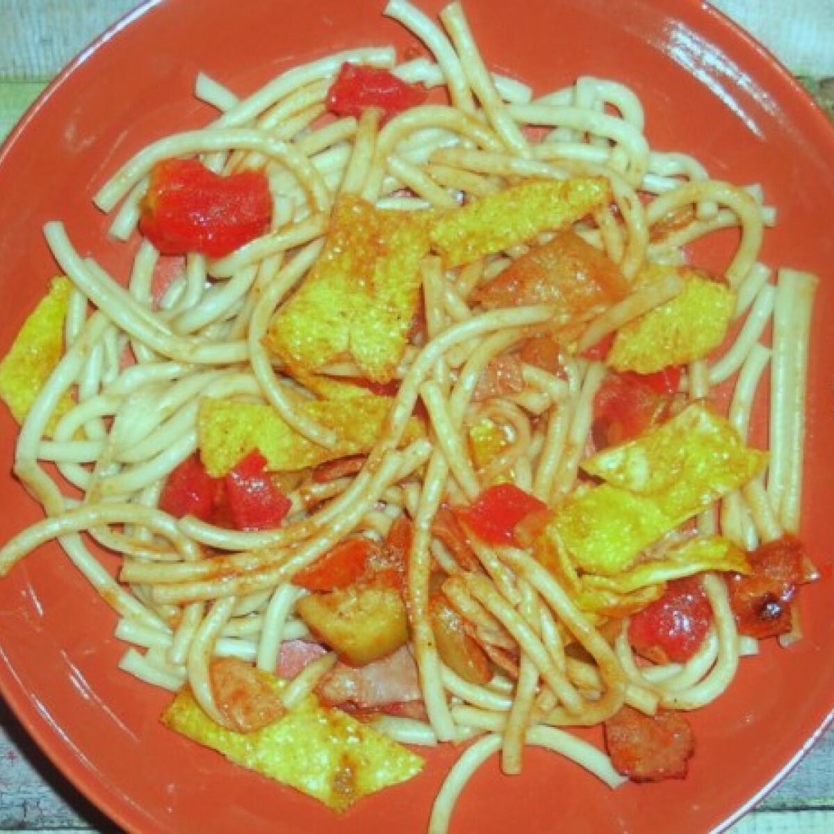 Ezen a képen: Rántottás-cukkinis spagetti