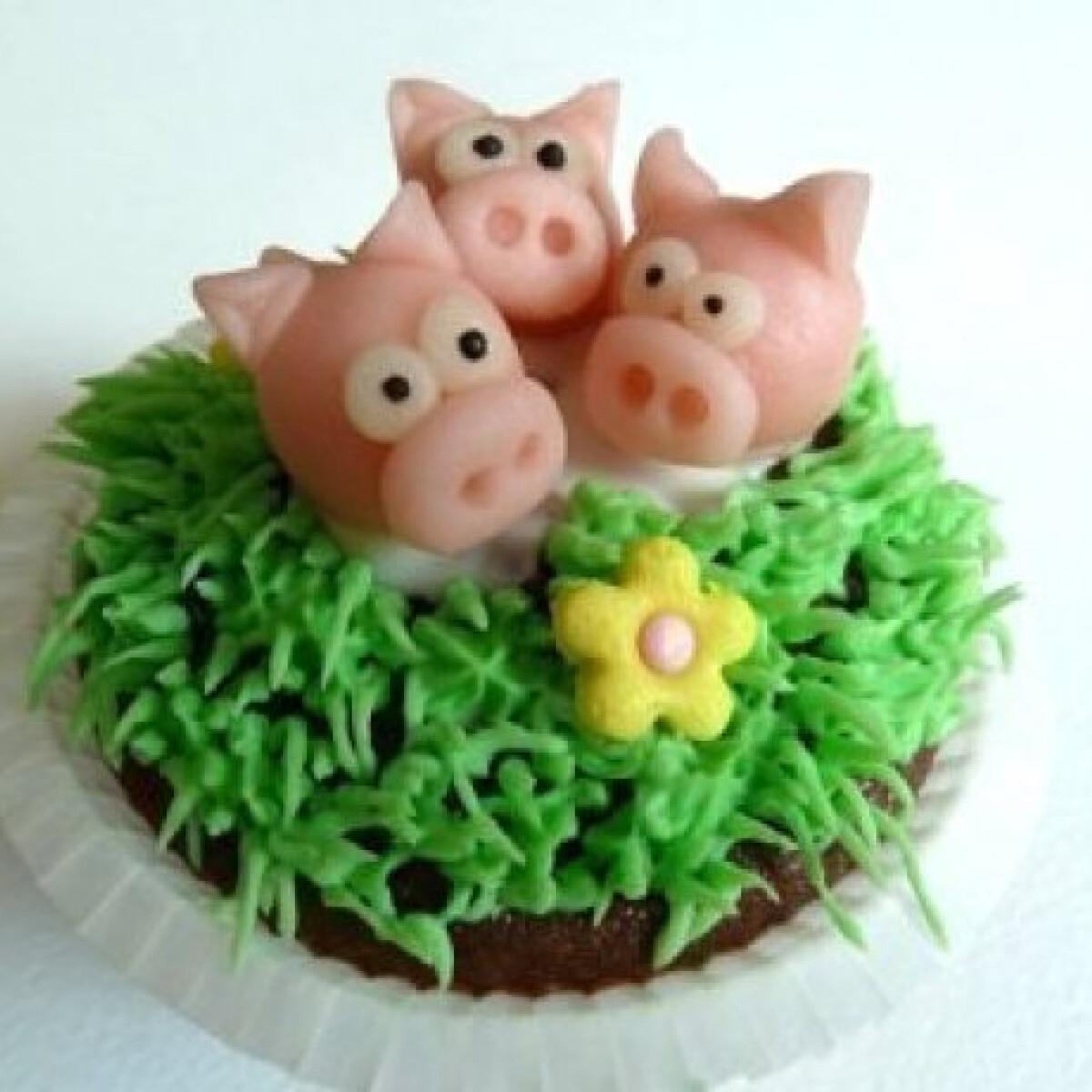 Ezen a képen: Feketeerdő muffin három kismalaccal