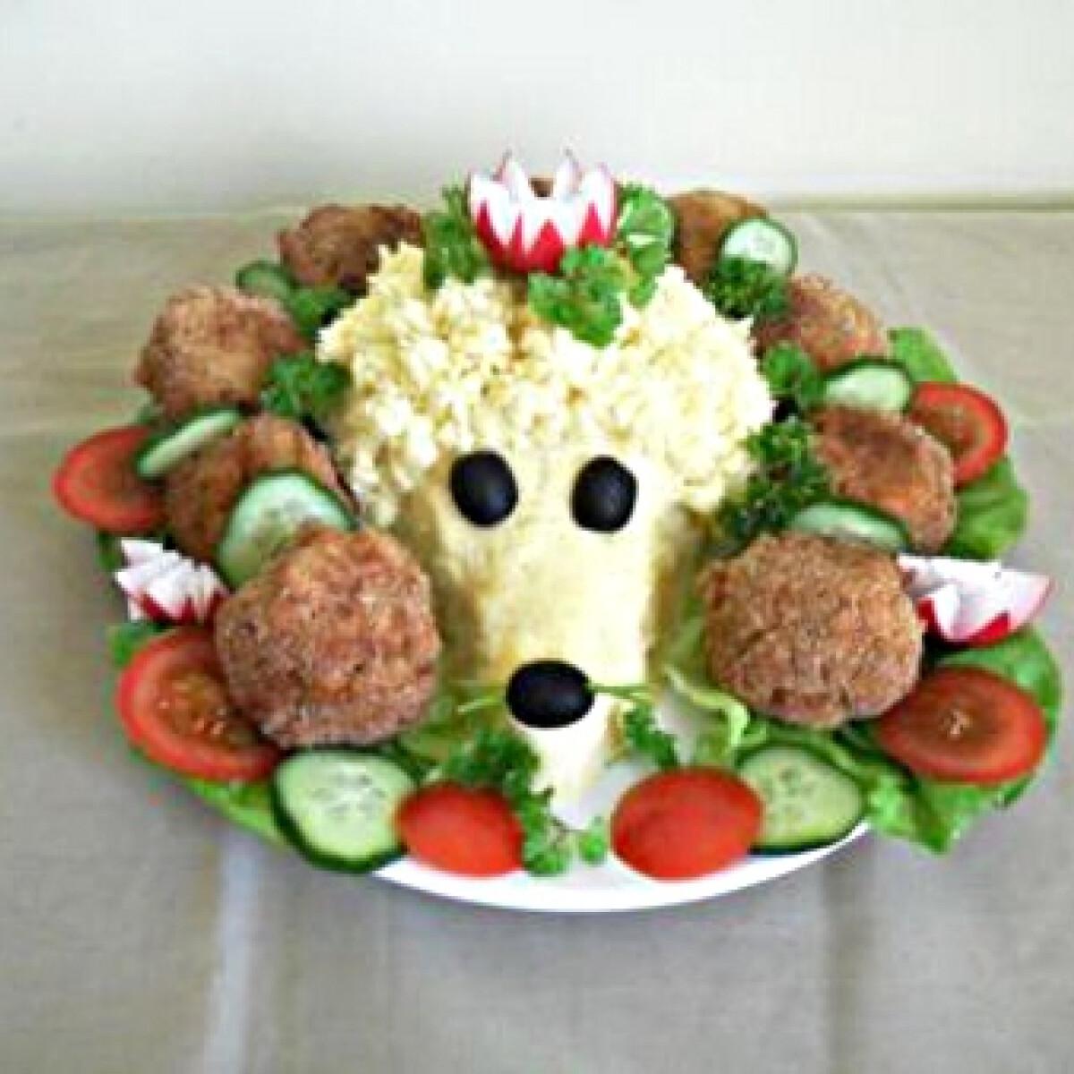 Ezen a képen: Tojásfasírtos krumplipürés süni