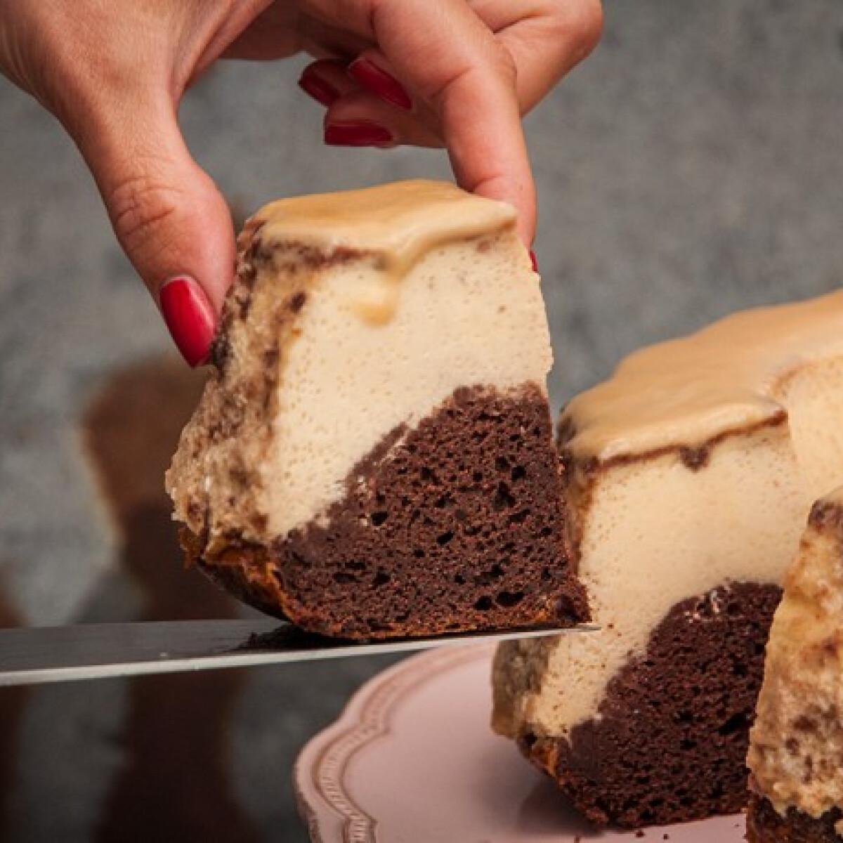 Ezen a képen: Csokis-vaníliás csodakuglóf