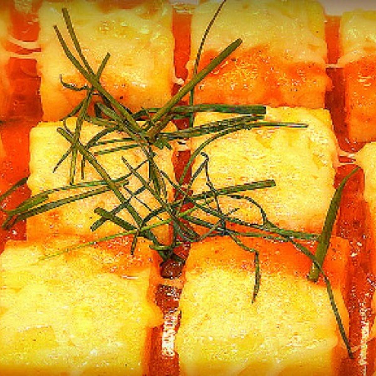 Ezen a képen: Márványsajttal gratinírozott polenta