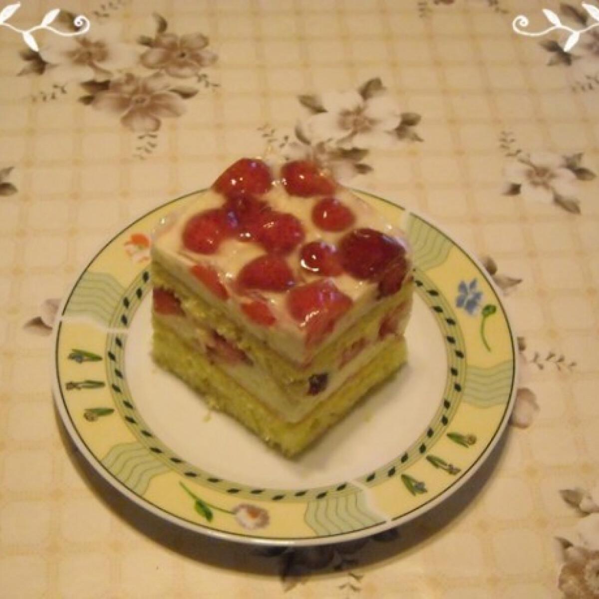 Ezen a képen: Epres krémes Nikóka konyhájából
