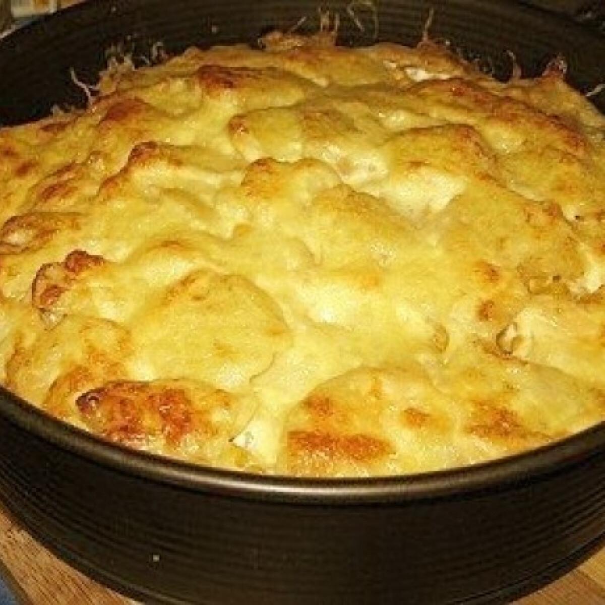 Ezen a képen: Krémsajtos-kukoricás rakott krumpli