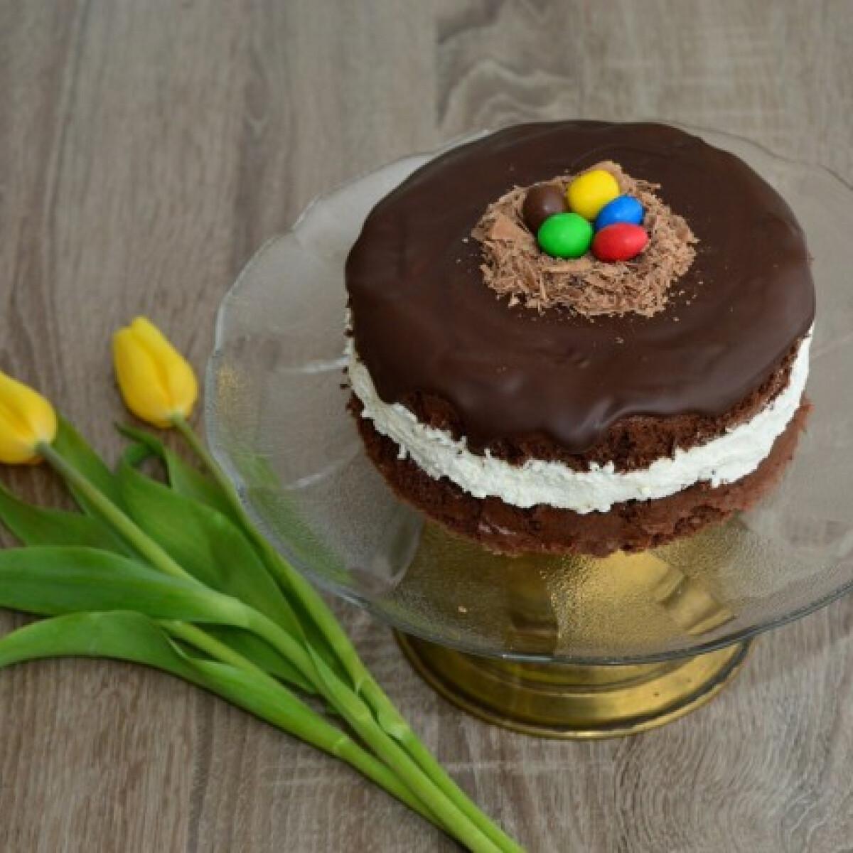 Ezen a képen: Húsvéti túrókrémes torta