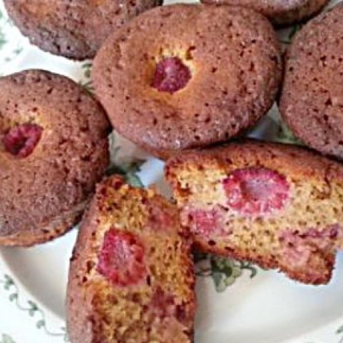 Ezen a képen: Málnás muffin Nonoo konyhájából