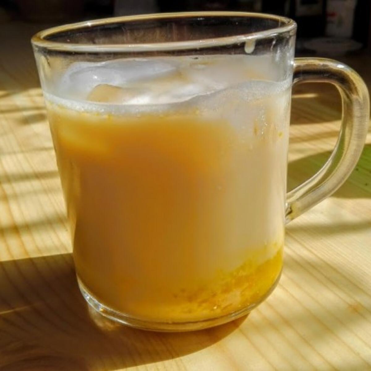 Ezen a képen: Vaníliás jeges latte