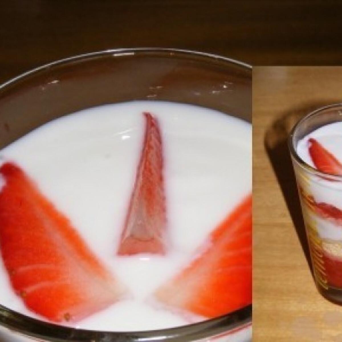 Ezen a képen: Epres-joghurtos pohárkrém
