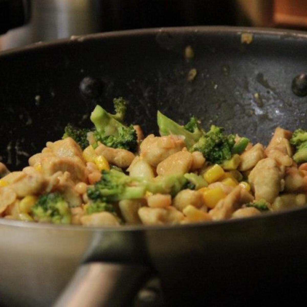 Ezen a képen: Fehérbabos kukorciás teryaki csirke