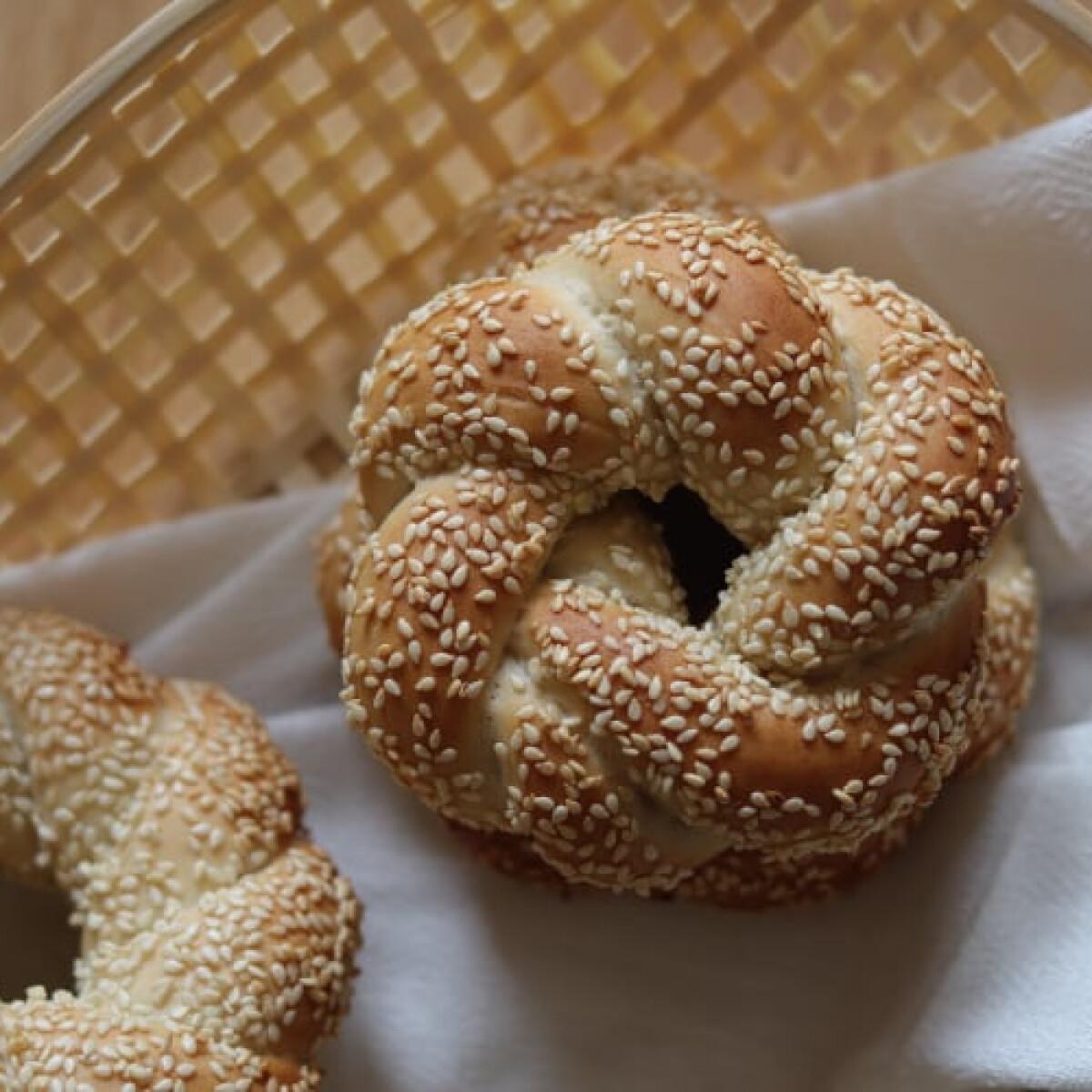 Ezen a képen: Szezámmagos bagel