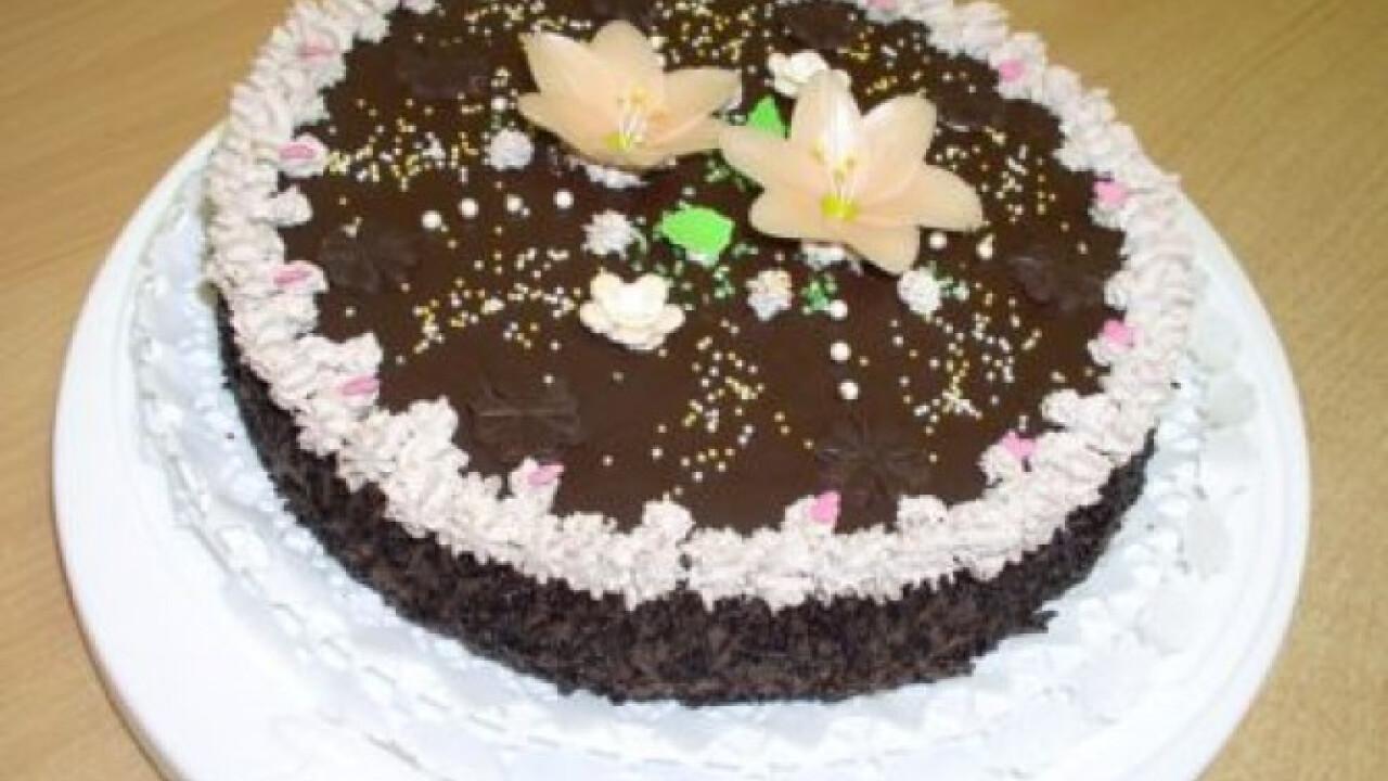 Csokis-meggyes torta Évi konyhájából