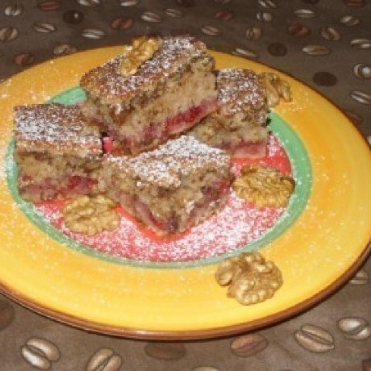 Ezen a képen: Lekváros bögrés süti