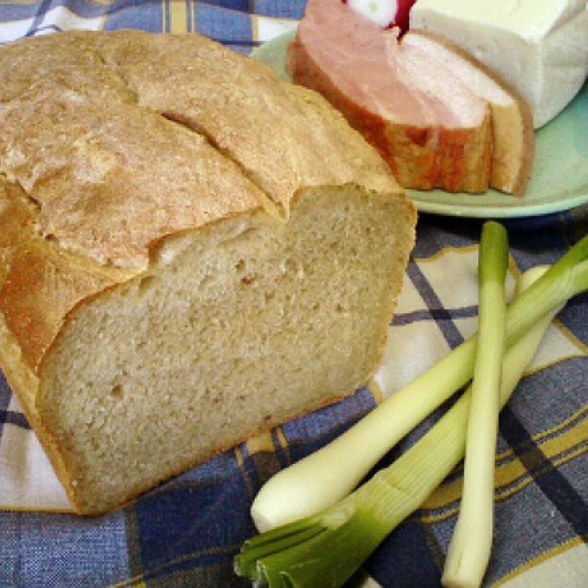 Ezen a képen: Krumplis-zabpelyhes kenyér