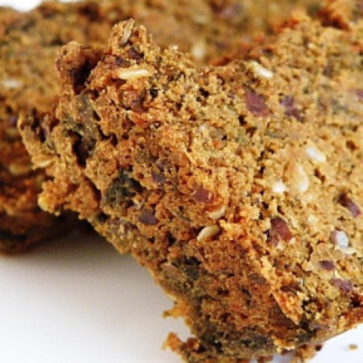 Ezen a képen: Paleo magvas kenyér glutén- és tejmentes