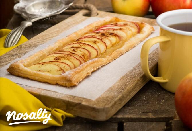 Ezen a képen: A legegyszerűbb almás pite