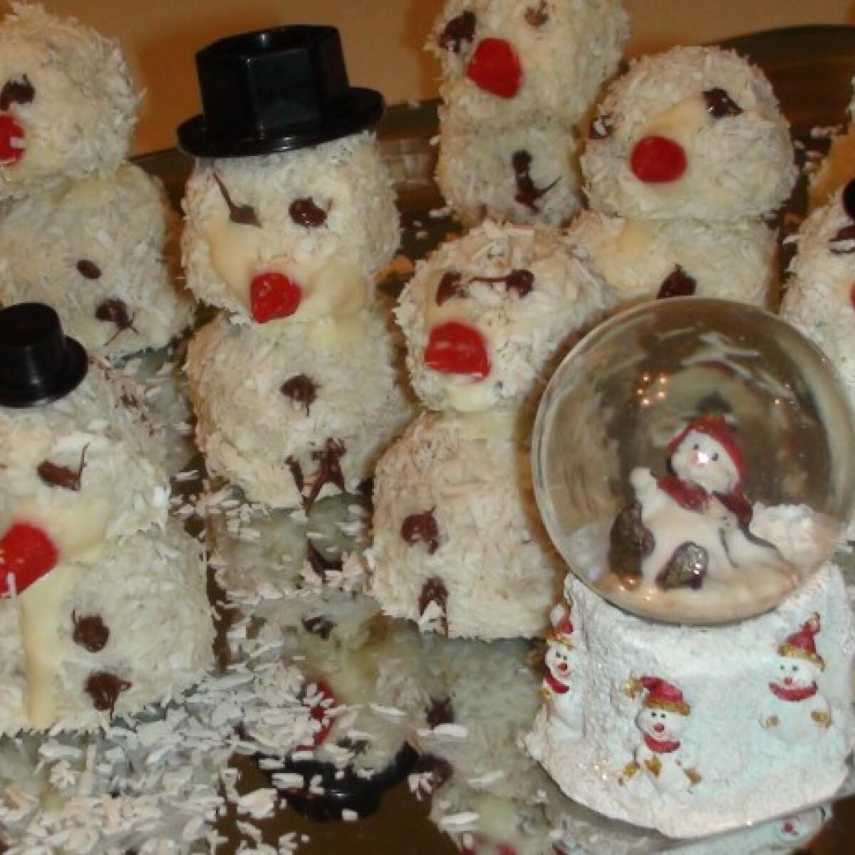 Ezen a képen: Kókuszos hóemberek