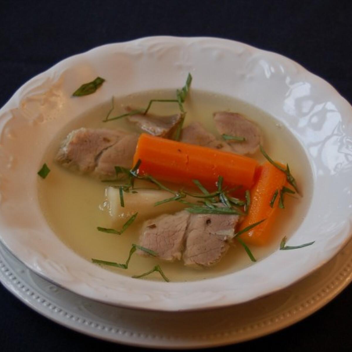 Ezen a képen: Magyar leves