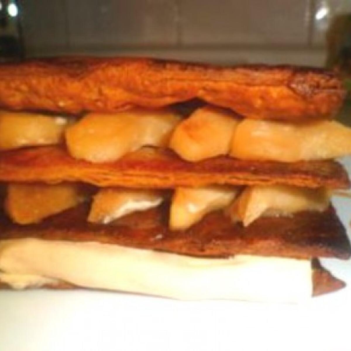 Ezen a képen: Leveles tészta karamellizált almával