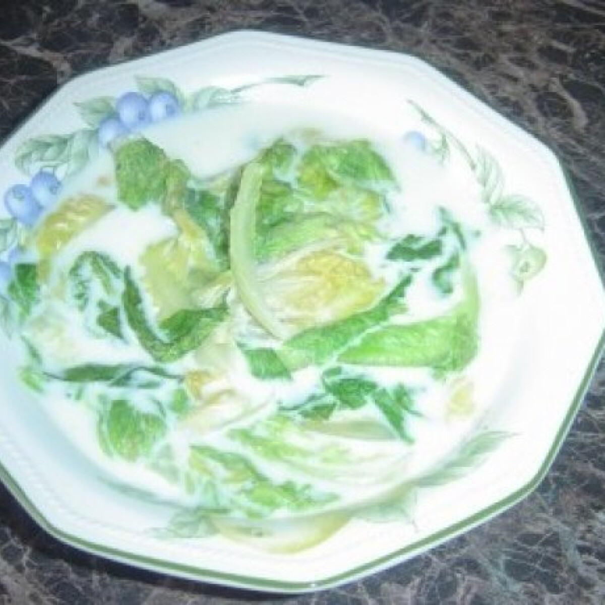 Ezen a képen: Salátaleves 3.