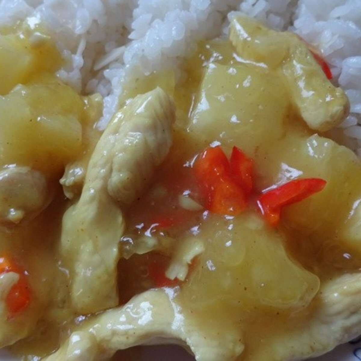 Ezen a képen: Ananászos csirke