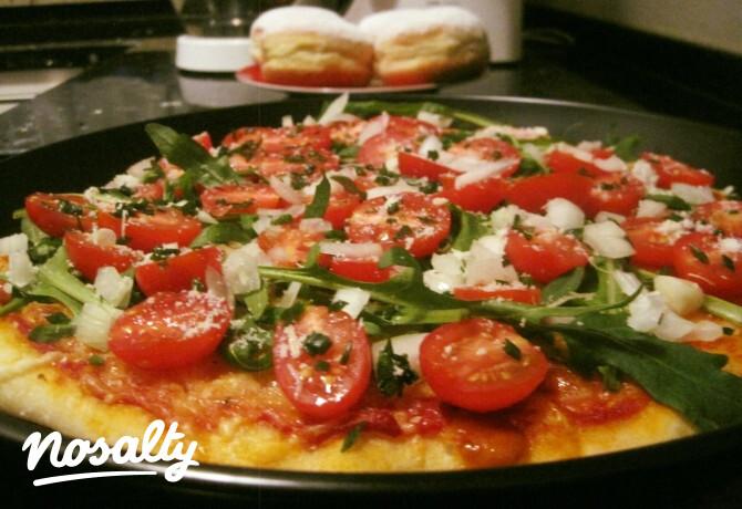 Ezen a képen: Sörrel készült pizzatészta, vegetáriánus feltéttel