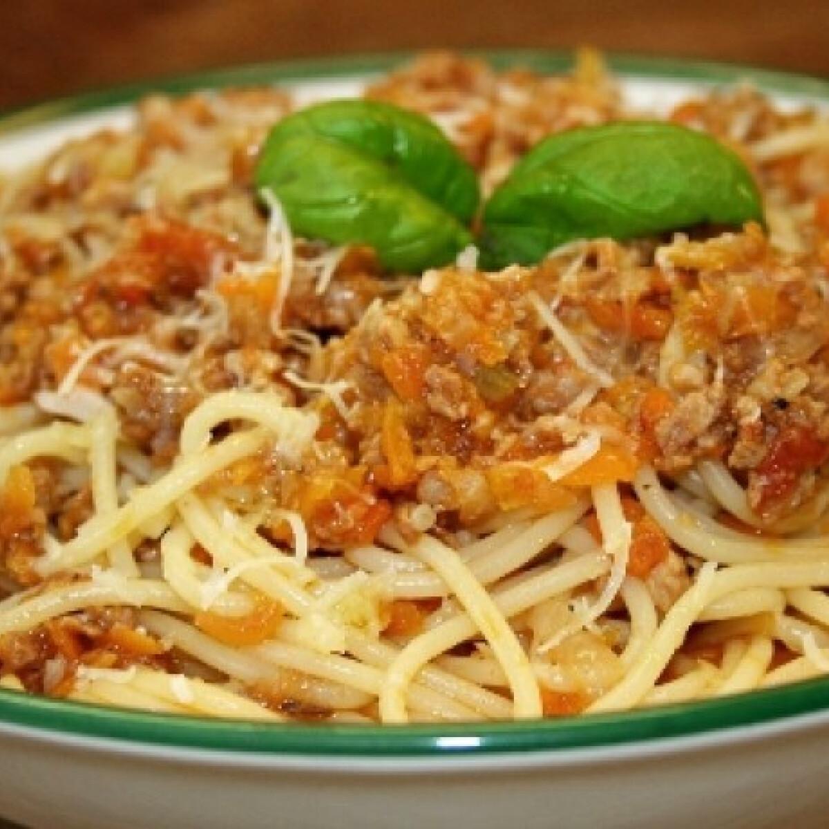 Ezen a képen: Bolognai spagetti Vicikó konyhájából