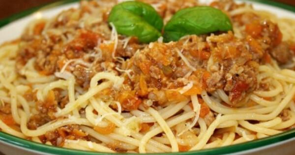 Bolognai spagetti Vicikó konyhájából - Nosalty