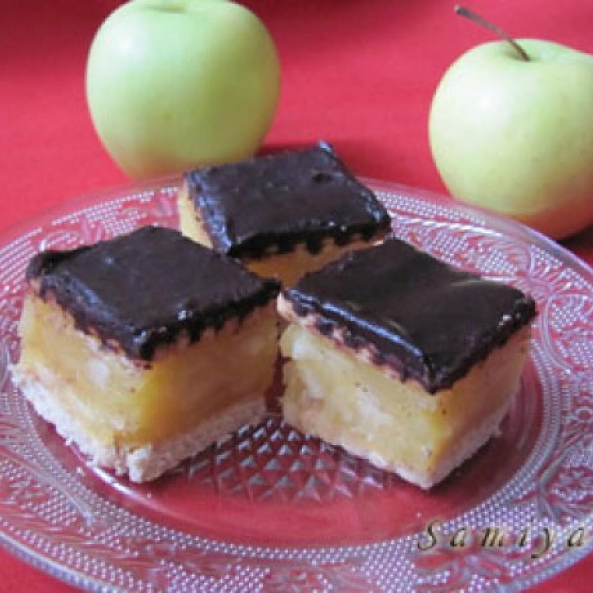 Ezen a képen: Almás-vaníliás kocka
