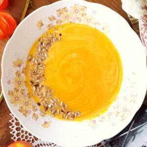 Almás-narancsos sütőtökkrémleves