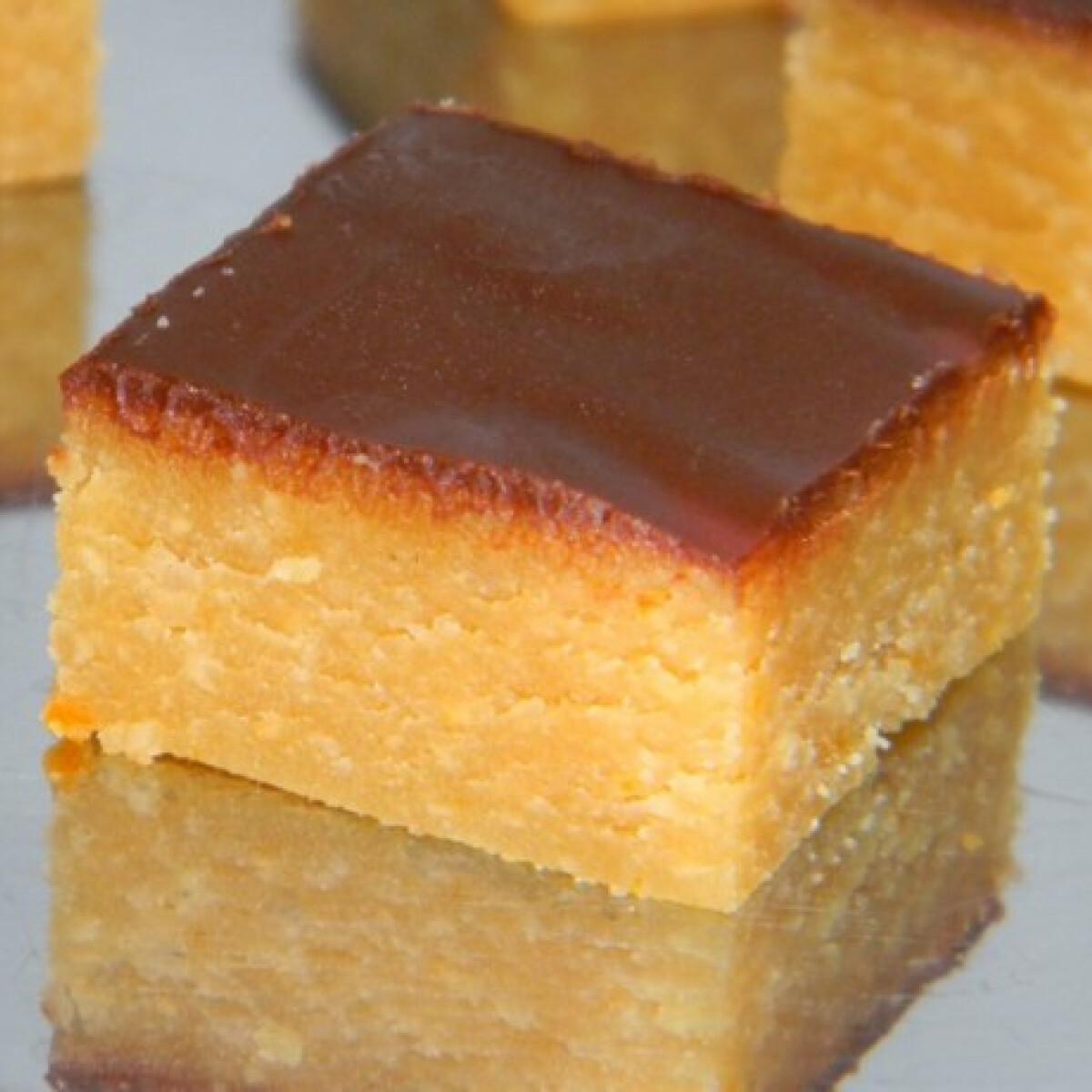 Ezen a képen: Narancsos-marcipános kocka