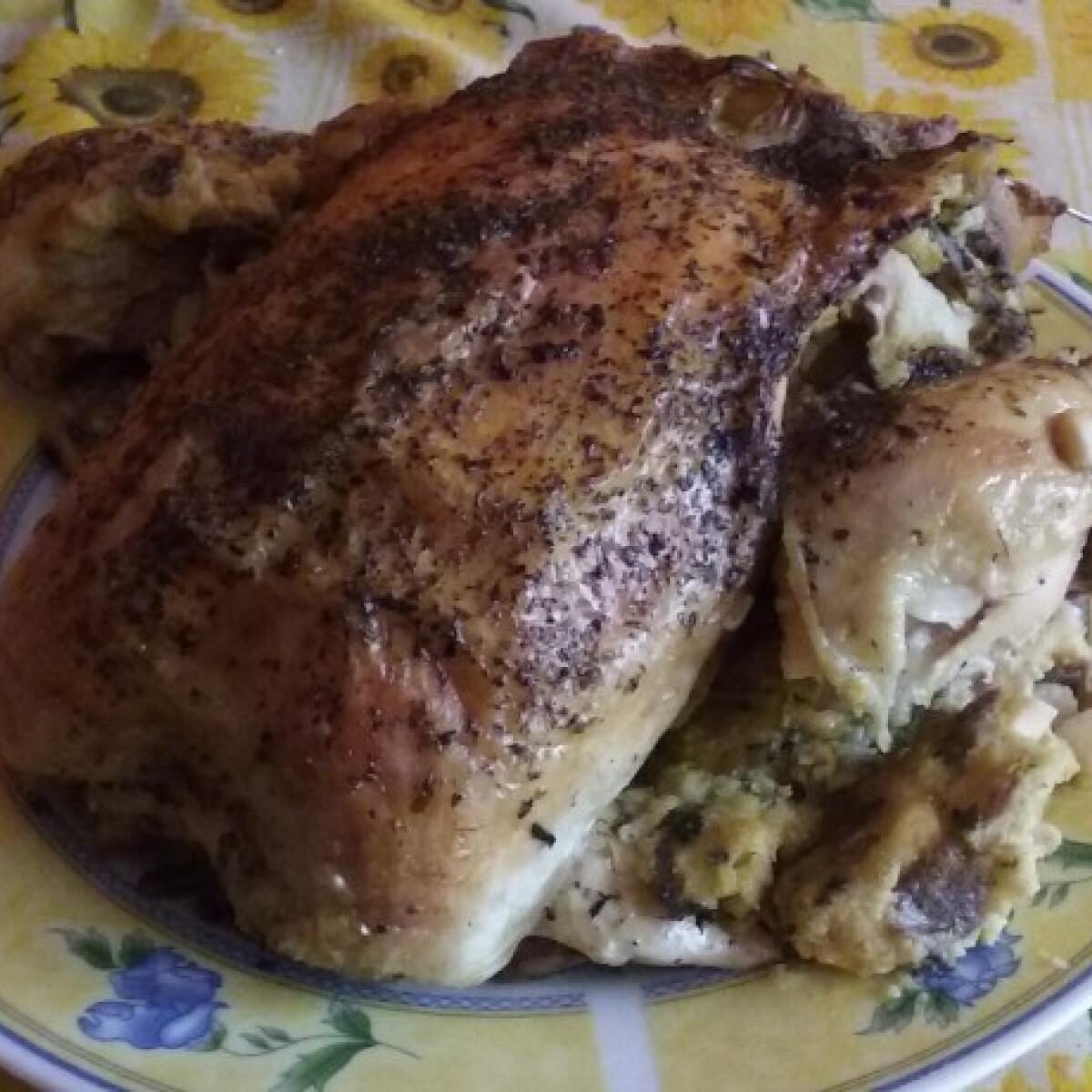 Ezen a képen: Töltött csirke Erdeigy konyhájából