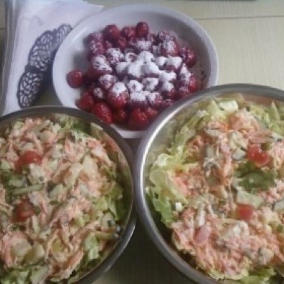 Ezen a képen: Mindentbele saláta