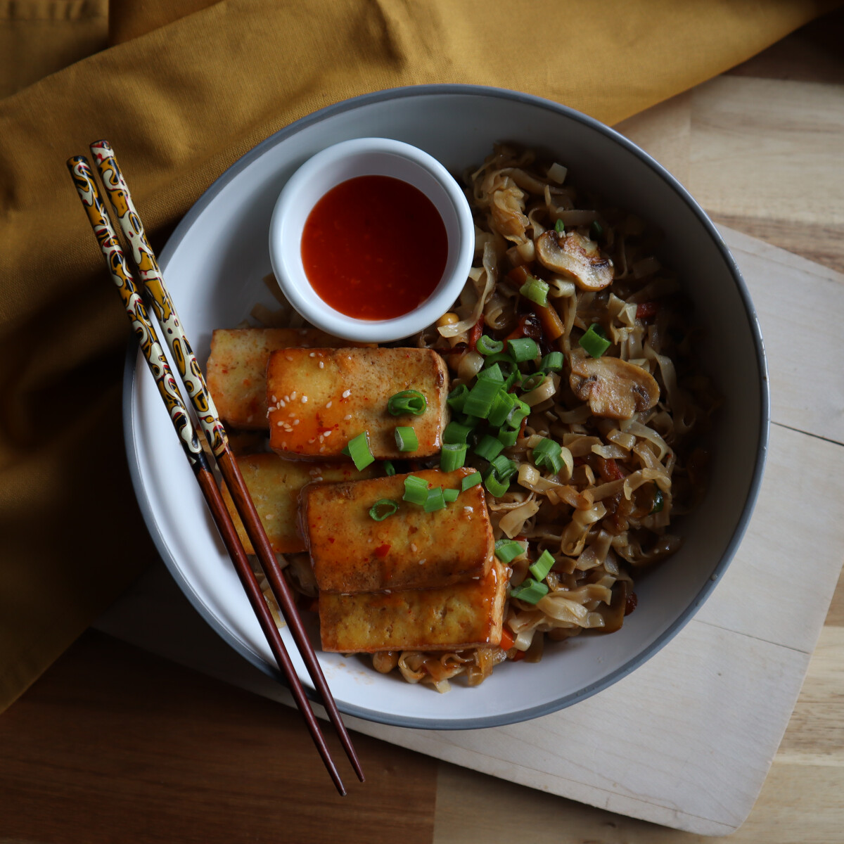 Ezen a képen: Kínai tészta tofuval