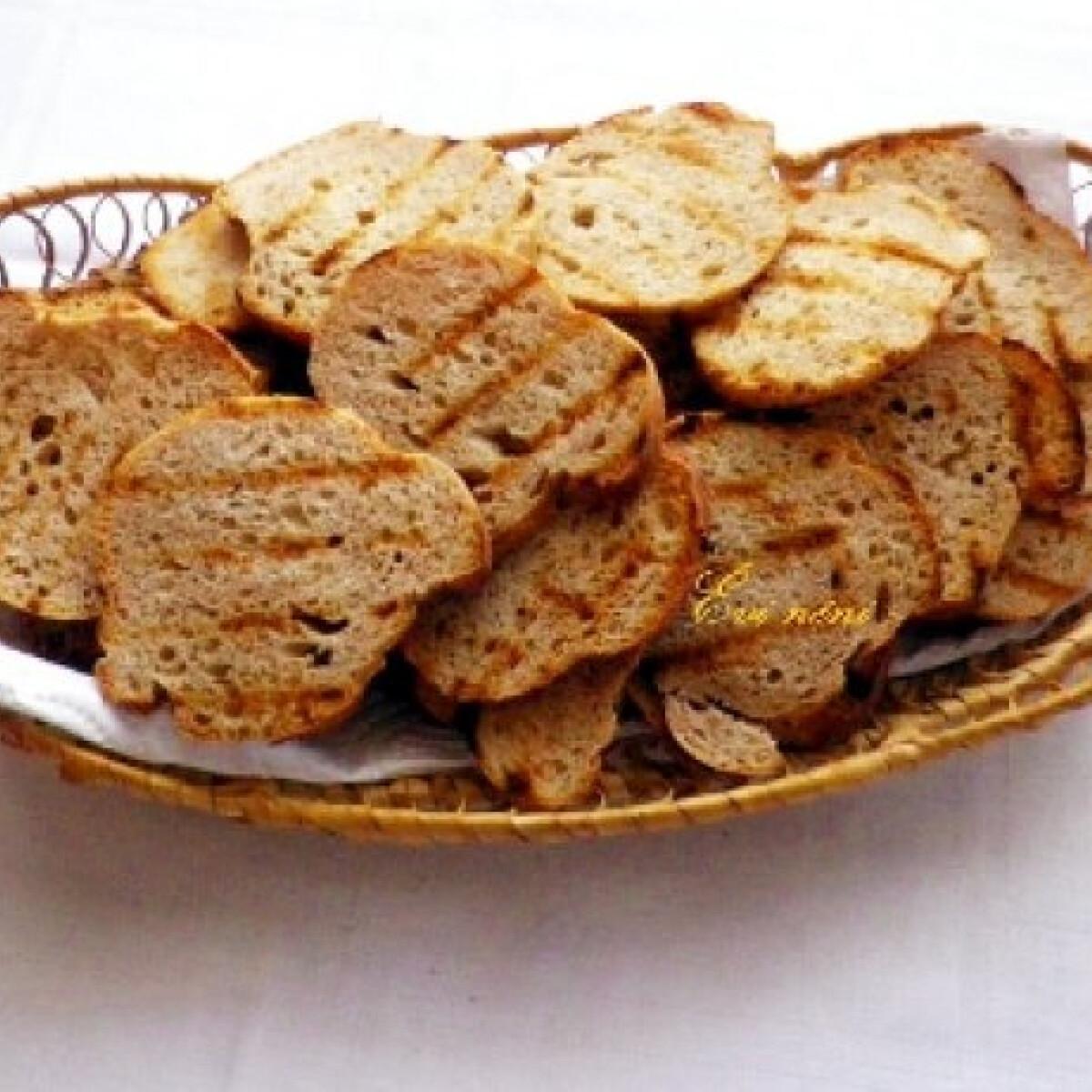 Ezen a képen: Hagymás kenyérchips
