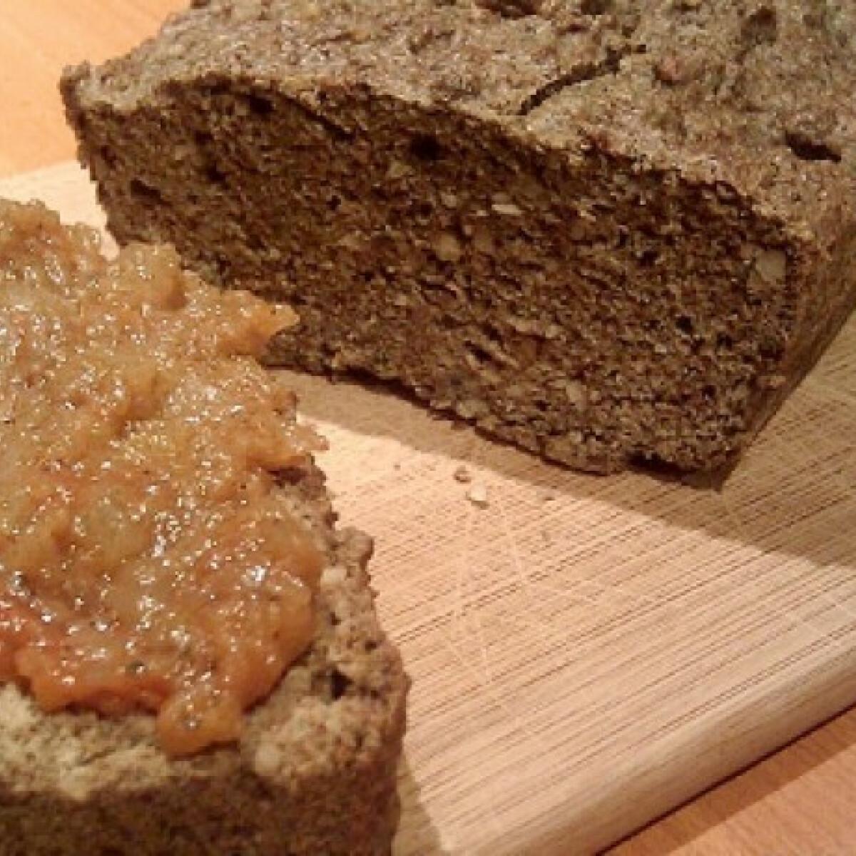Ezen a képen: Tökmagos paleo kenyér