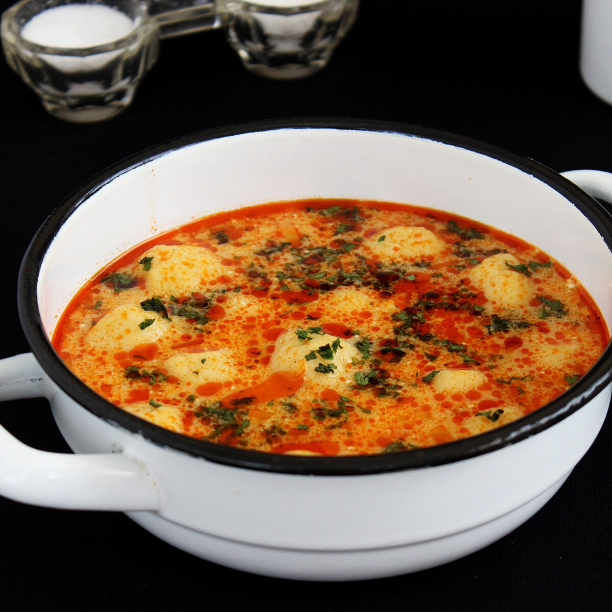 Tejfölös krumpligombóc leves