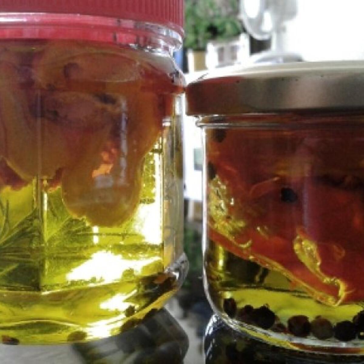 Ezen a képen: Habanero paprikás olívaolaj