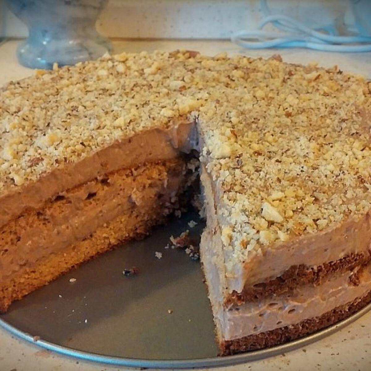 Ezen a képen: Gluténmentes mogyorókrémes torta