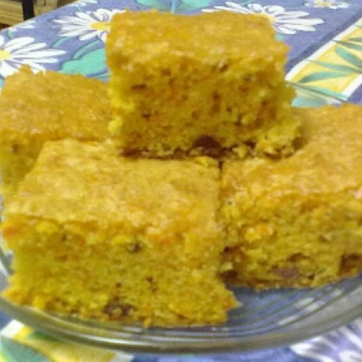 Ezen a képen: Sárgarépás süti