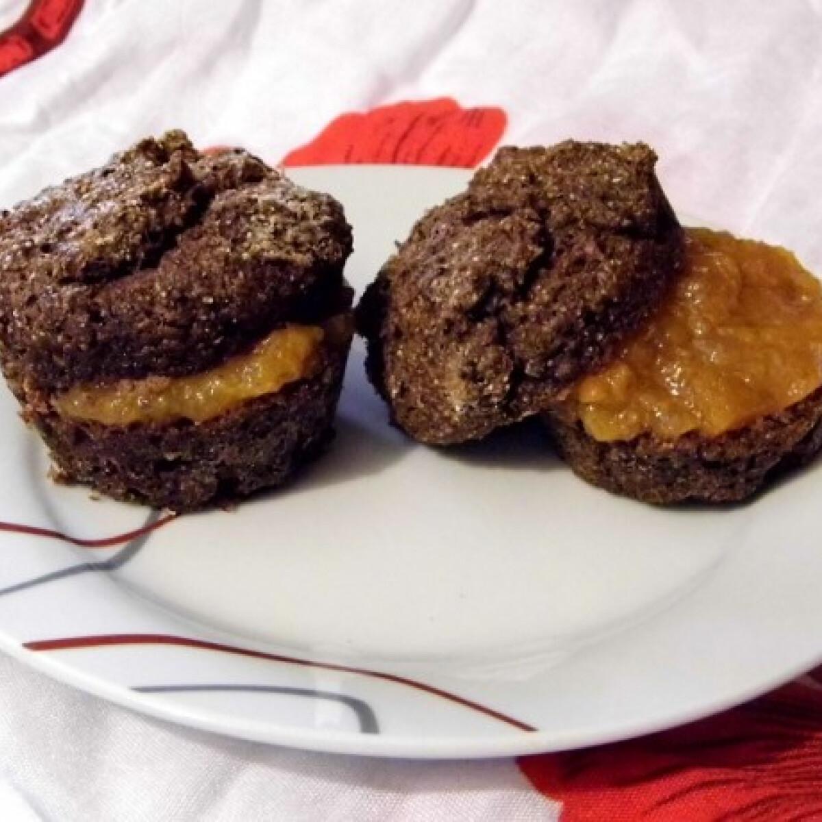 Ezen a képen: Szénhidrátcsökkentett cukormentes kakaós muffin