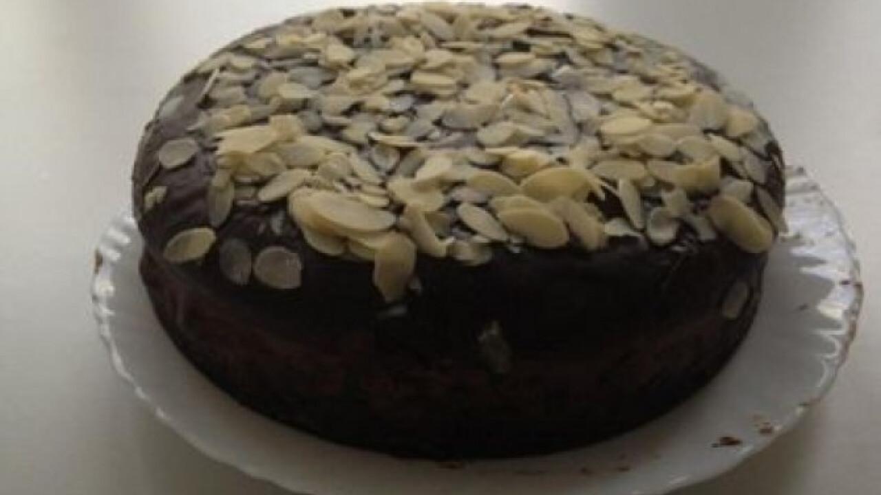 Hamis feketeerdő-torta mandulával