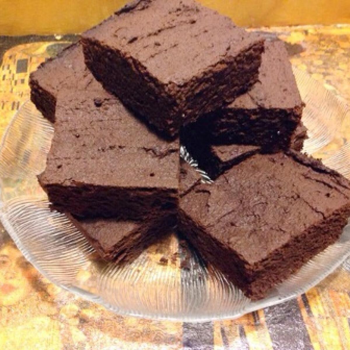 Ezen a képen: Brownie Tomatotree konyhájából