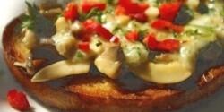 Juhsajtos-gombás szendvics