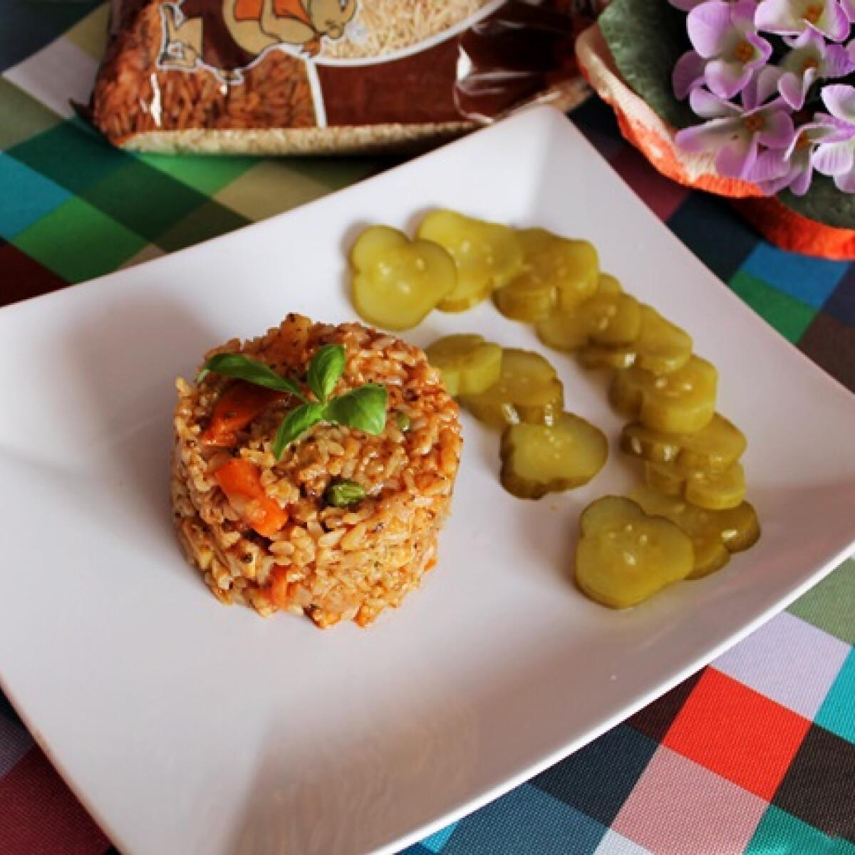Zöldséges csirke barna rizzsel