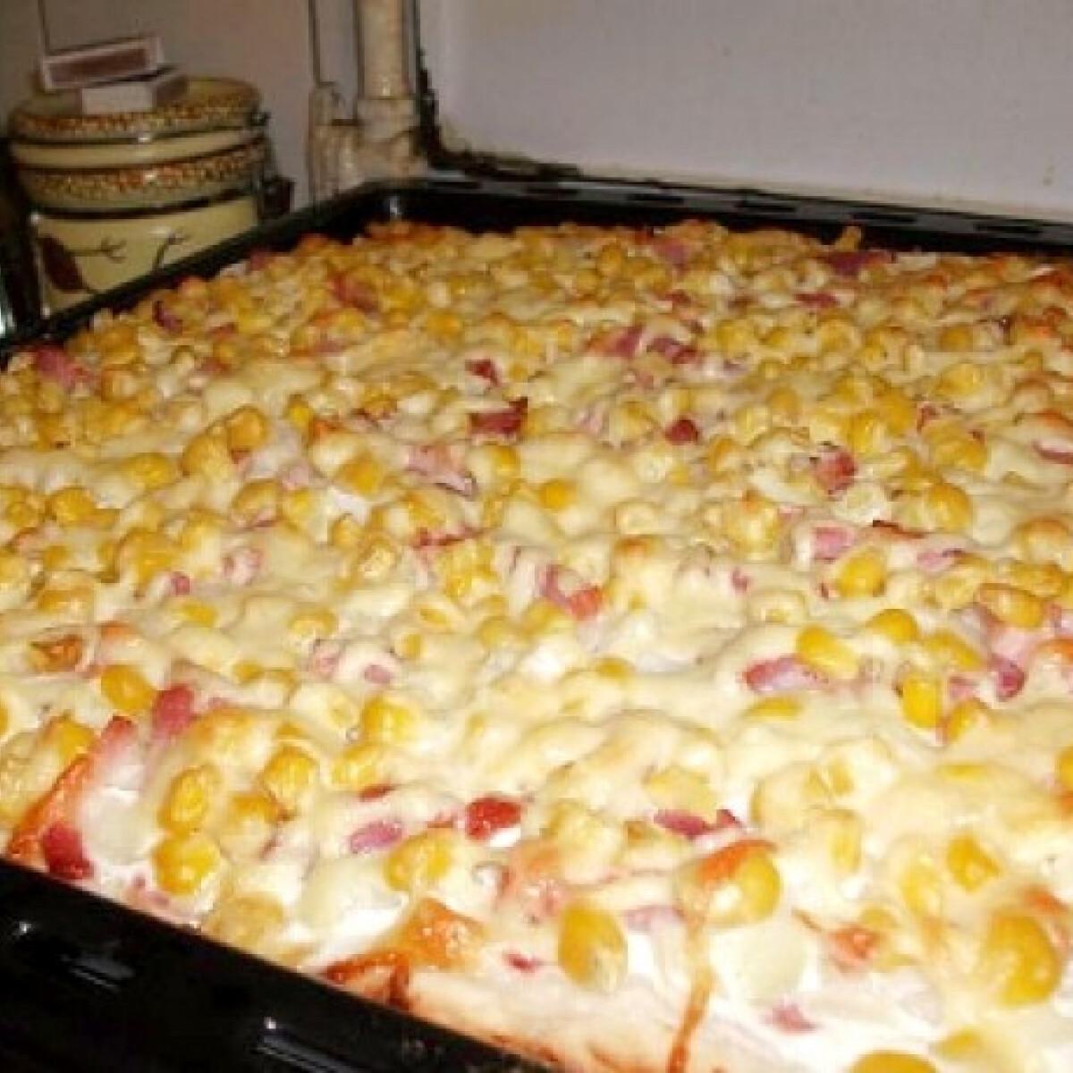 Ezen a képen: Fokhagymás-tejfölös pizza