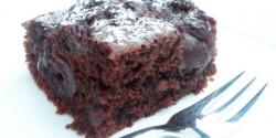 Kakaós-vaníliás-meggyes süti